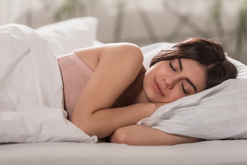 7 dolog, amit ne csinálj lefekvés előtt, ha fogyni szeretnél… – Goodstuff